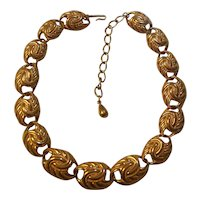 Beautiful Trifari Gold tone Necklace