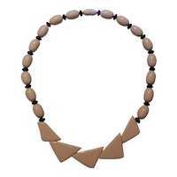 Creamy Ivory Lucite Plastic Necklace