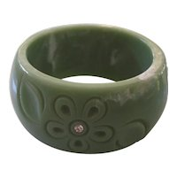 Jadeite Marbled Plastic Flower Rhinestone Bangle