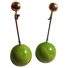 Fun Lime Green Marbled Lucite Dangle Ball Earrings Vintage Dangling