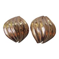 Nice Domed & Ribbed Kramer Earrings Gold tone