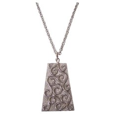 Fabulous Huge Mod Trifari Textured Silver tone Pendant Necklace