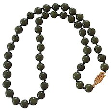 Vintage Jade Bead Necklace Hand Knotted