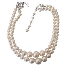 Vintage Coro Faux Graduated Pearls Beaded Pearl Choker Necklace