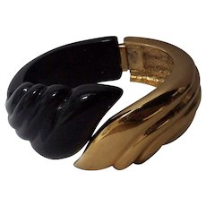 Black Lucite Gold Tone Ribbed Leaf Hinged Clamper Bracelet