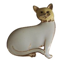 Sweet Cat Brooch with Tan and Cream Enamel on Gold tone