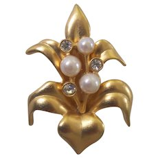 Lovely Swarovski Lily Brooch Swan Signed Crystals and Faux Pearls Gold tone Flower