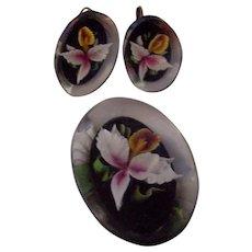 Vintage Carved Flower Lucite Brooch Earrings Set