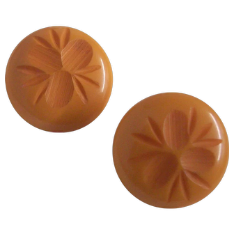 Carved Bakelite Earrings Corn Flower Butterscotch Clip on