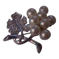 Faux Pearls & Rhinestones Grapes and Vine Brooch Silver tone