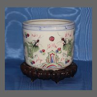 19th Century Chinese Export Ceramic Cachepot
