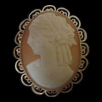 Beautiful Vintage Shell Cameo Hand Carved Pin/Pendant