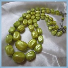 Gorgeous Chartreuse Double Strand Mad Men Vintage Necklace Perfect Condition