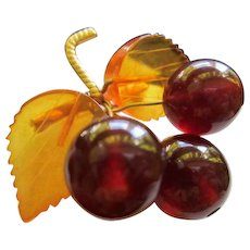 Gorgeous Natural Amber Cherries and Leaves 8K Gold Vintage Brooch Pin