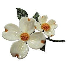 Gorgeous Dogwood Flower Figural Vintage Brooch Pin
