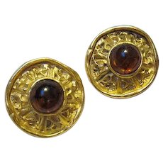 Wonderful fx Amber Matte Gold Plate Museum Replica Vintage Clip Earrings