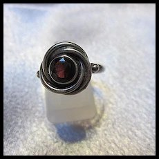 Lovely Garnet Sterling Silver Love Knot Vintage Ring 925