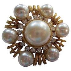 Beautiful fx Mabe Pearl Rhinestone Gold tone Vintage Brooch Pin