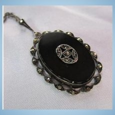 Impressive Art Deco Oval Onyx Marcasite Sterling Silver Pendant Vintage Necklace