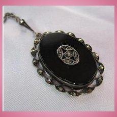 Impressive Art Deco Oval Onyx Marcasite Sterling Silver Pendant Vintage Necklace