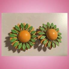 Green Yellow Flower Power 1960s Enamel Vintage Clip Earrings