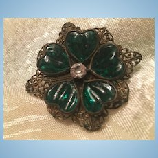 Czech Fabulous Green Glass Ridged Hearts Ornate Filigree Brass Vintage Brooch Pin