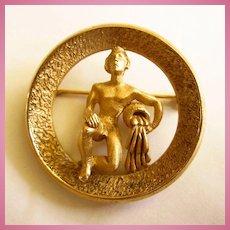 Crown Trifari Aquarius Mid Century Dimensional Figural Brooch Pin