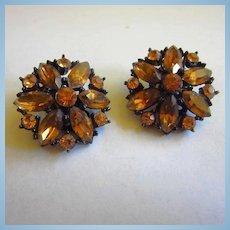 WEISS Signed Citrine Crystal Rhinestones Jappaned Clip Earrings 1950s