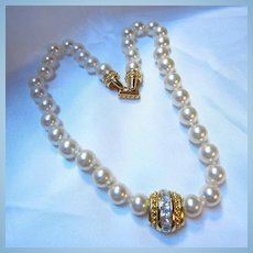 Swarovski Signed fx Pearls Art Deco Style Centerpiece Glamorous Necklace