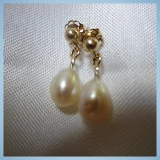 14K Gold Cultured Pearls Earrings