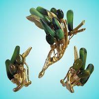 ART Pepper Signed Leaf Green Lucite Demi Parure Set Brooch Earrings