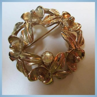 Kramer Signed Genuine Cultured Pearl Orchid Circle Brooch