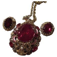 Gorgeous Czech Huge Ruby Red Enamel fx Pearl Pendant Necklace Earrings Set Demi Parure