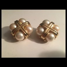 Erwin Pearl Signed Classic Clip Earrings