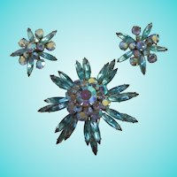 Gorgeous Judy Lee Aqua Capri Starburst Brooch Earrings