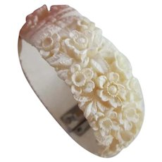 Cream Carved Celluloid Featherlite Maiden Size Bracelet