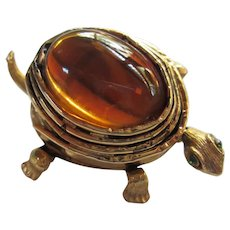 Fabulous Amber Glass Jelly Belly Turtle Pin