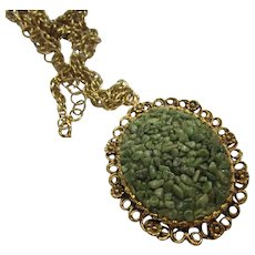 Beautiful Jade Chips 1960s Pendant Necklace