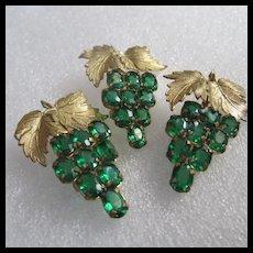 Gorgeous Emerald Green Swarovski Crystal 3 Vintage Grape Brooches