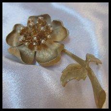 Ledo 1961 Signed Gorgeous Flower Brooch