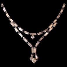 Singular Austrian vintage necklace fine crystal baguettes light topaz color