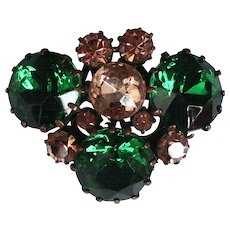 Crystal vintage brooch elegant green and champagne color flea market jewelry