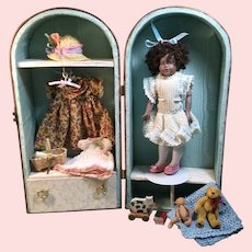 """Presentation Doll Case 8"""" Bisque Doll"""