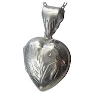 Vintage Sterling Silver Puffed Heart Picture Locket