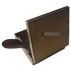 Vintage Art Deco Portable Purse Size Ash Tray Case