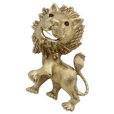 Vintage Monet Lion Brooch With Garnet Rhinestone Eyes