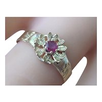Lovely Vintage 18K Yellow Gold/Silver Ruby Ring