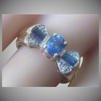 Beautiful 10K YG Oval And Baguette Sapphire Diamond Bow Ring