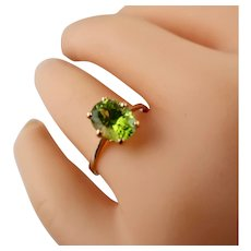 Vintage 18K Two-Tone 2.12ct Peridot Ring