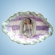 ES Prussia Lady With Shell Portrait Dish